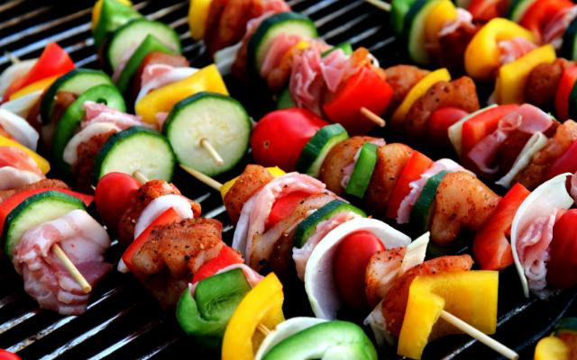 Разберете как да готвите здравословно на барбекюто си