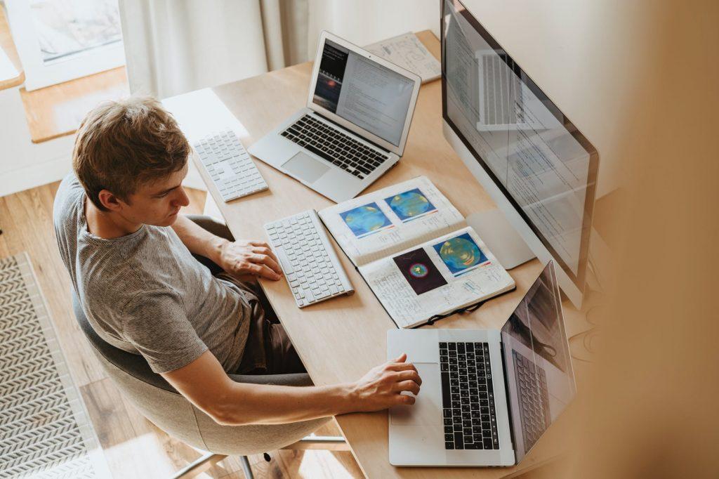 Как да работим по-ефективно от вкъщи